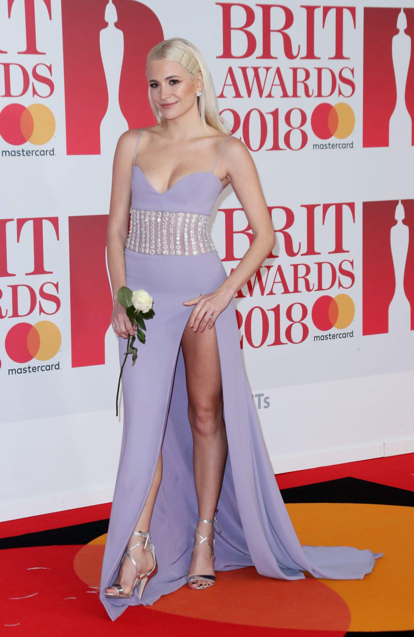 pixie-lott-panty-upskirt-at-the-38th-brit-awards-in-london-1516