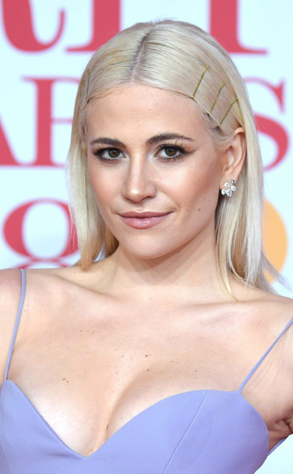 pixie-lott-panty-upskirt-at-the-38th-brit-awards-in-london-2536