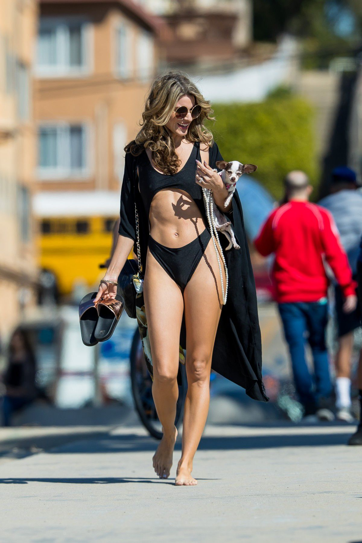 rachel-mccord-cameltoe-in-black-swimsuit-on-the-beach-in-santa-monica-1912