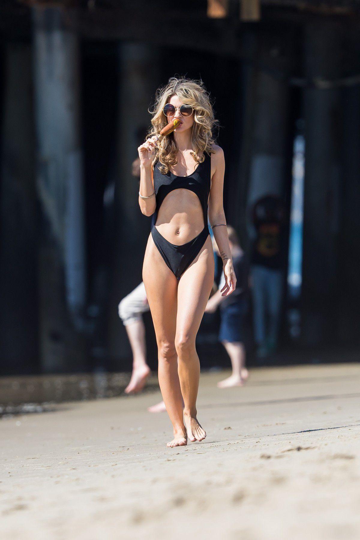 rachel-mccord-cameltoe-in-black-swimsuit-on-the-beach-in-santa-monica-8572