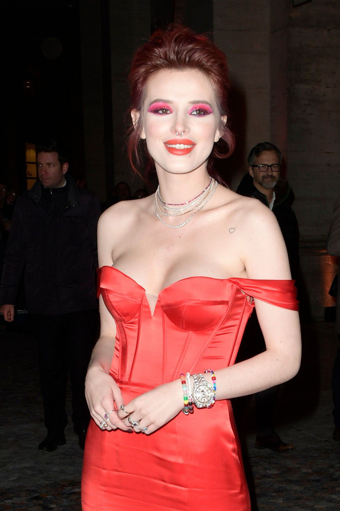 bella-thorne-deep-cleavage-at-midnight-run-premiere-in-rome-3276