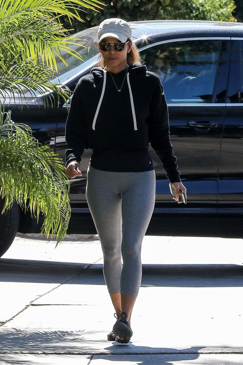 halle-berry-cameltoe-outside-a-gym-in-west-hollywood-3898