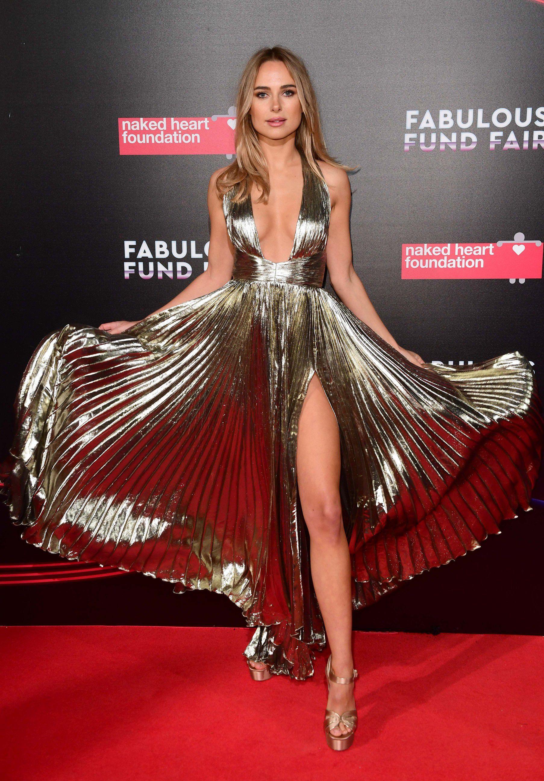 kimberley-garner-cleavage-at-fabulous-fund-fair-in-london-1143