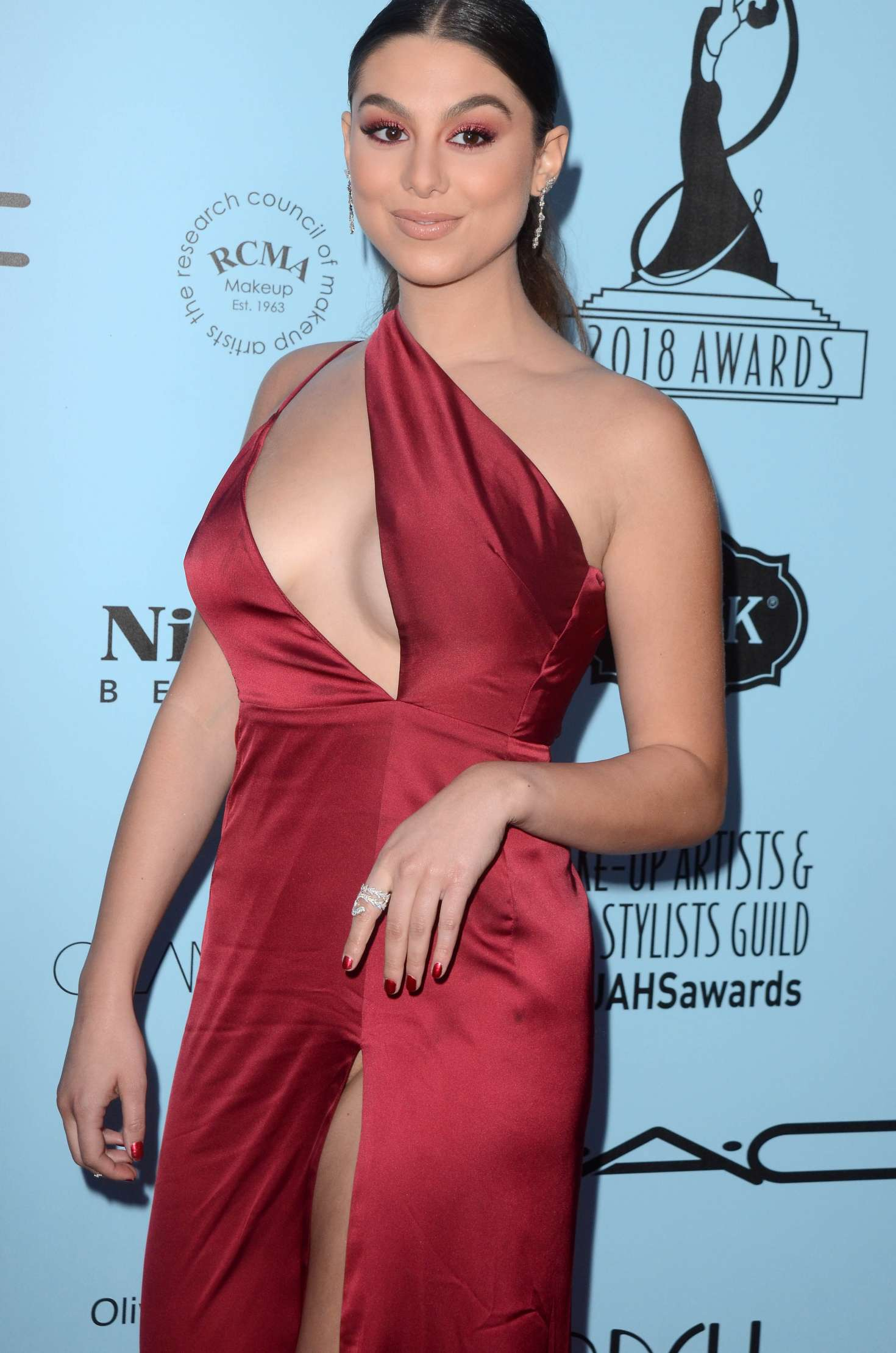 kira-kosarin-panty-upskirt-at-2018-make-up-artists-and-hair-stylists-guild-awards-in-la-1458