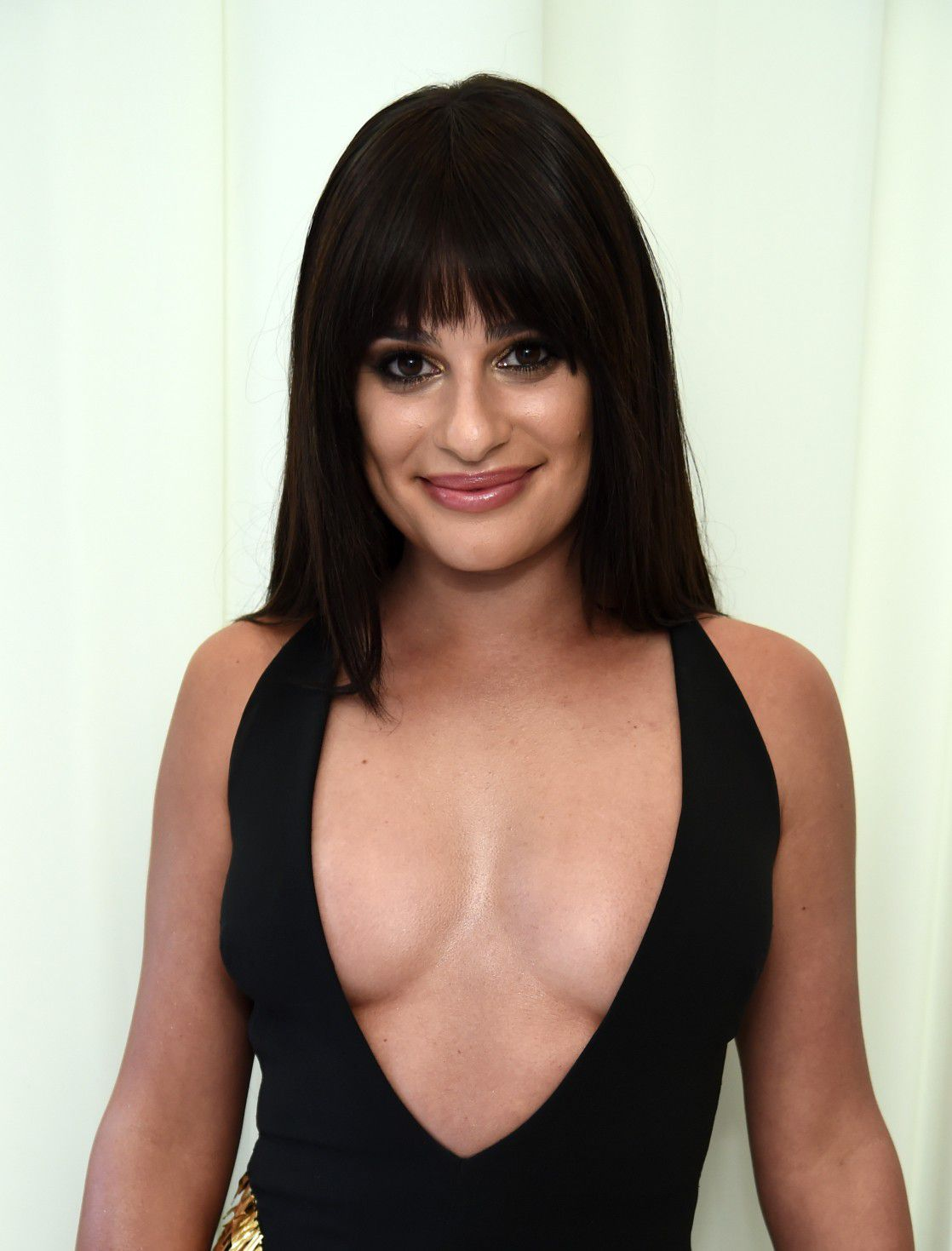 lea-michele-nip-slip-and-cleavage-at-elton-johns-aids-foundation-oscars-viewing-party-6593