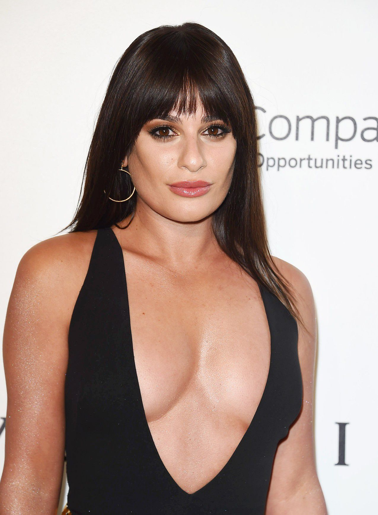 lea-michele-nip-slip-and-cleavage-at-elton-johns-aids-foundation-oscars-viewing-party-7455