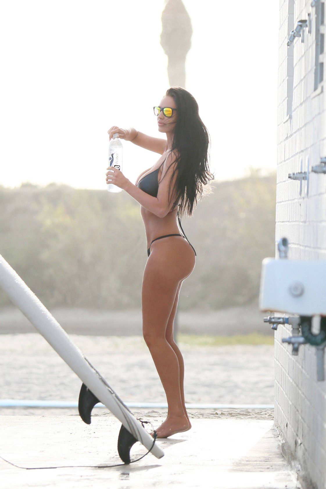 charlie-riina-perfect-bikini-body-for-138-water-in-malibu-4607