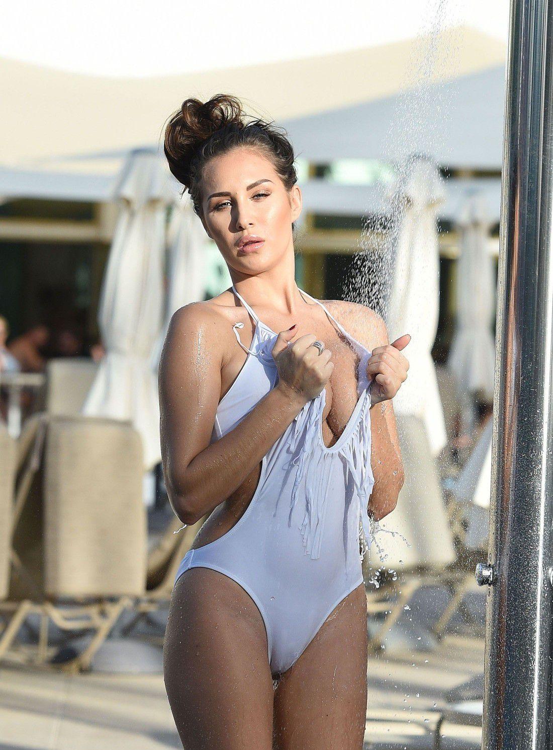 chloe-goodman-white-swimsuit-cameltoe-in-dubai-7616