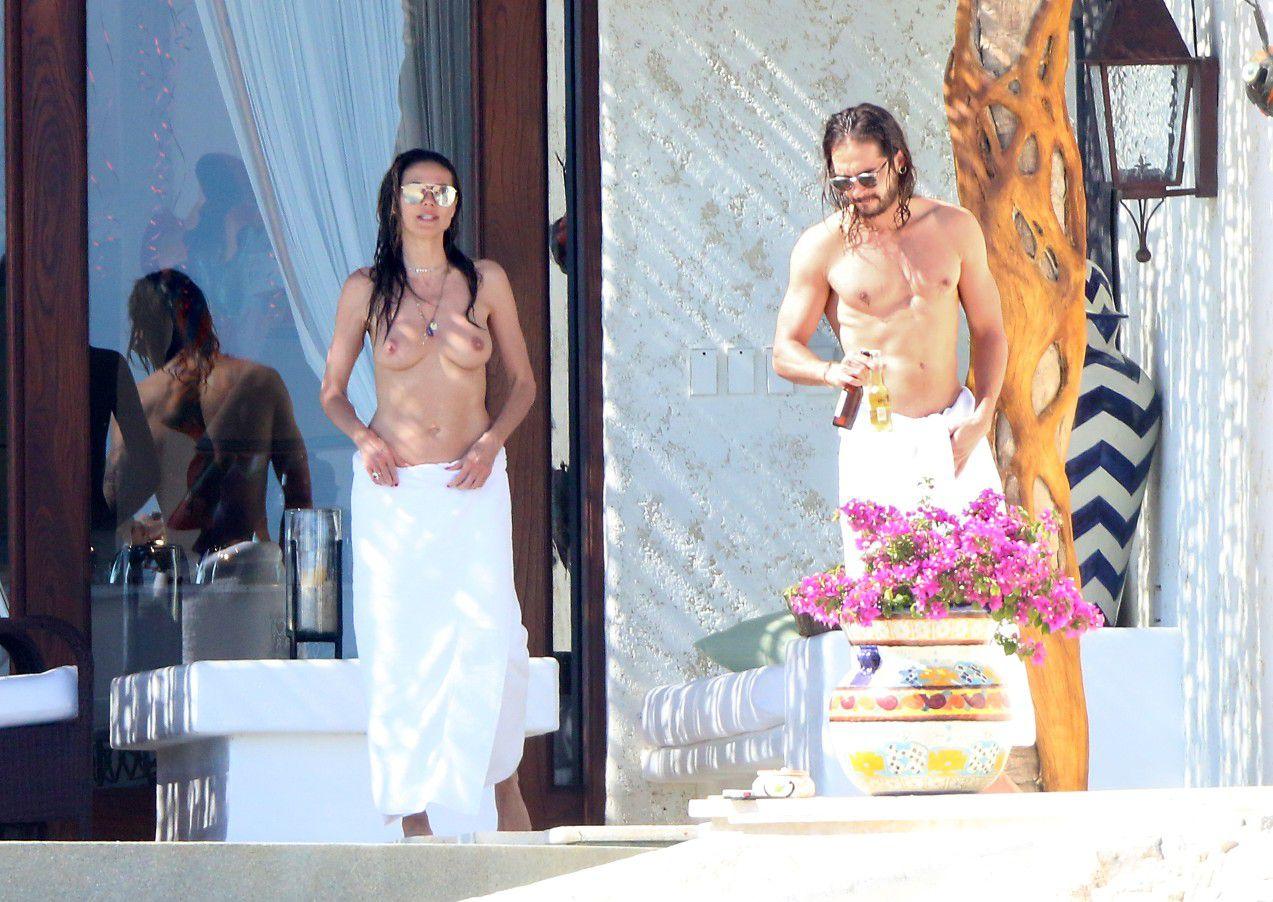 heidi-klum-topless-candids-in-cabo-san-lucas-mexico-4199