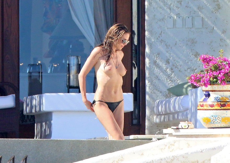 heidi-klum-topless-candids-in-cabo-san-lucas-mexico-5991