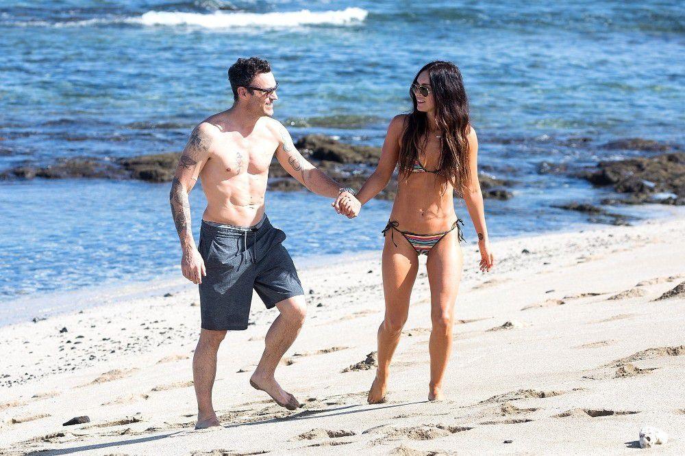 megan-fox-wearing-a-bikini-on-the-beach-in-hawaii-8806
