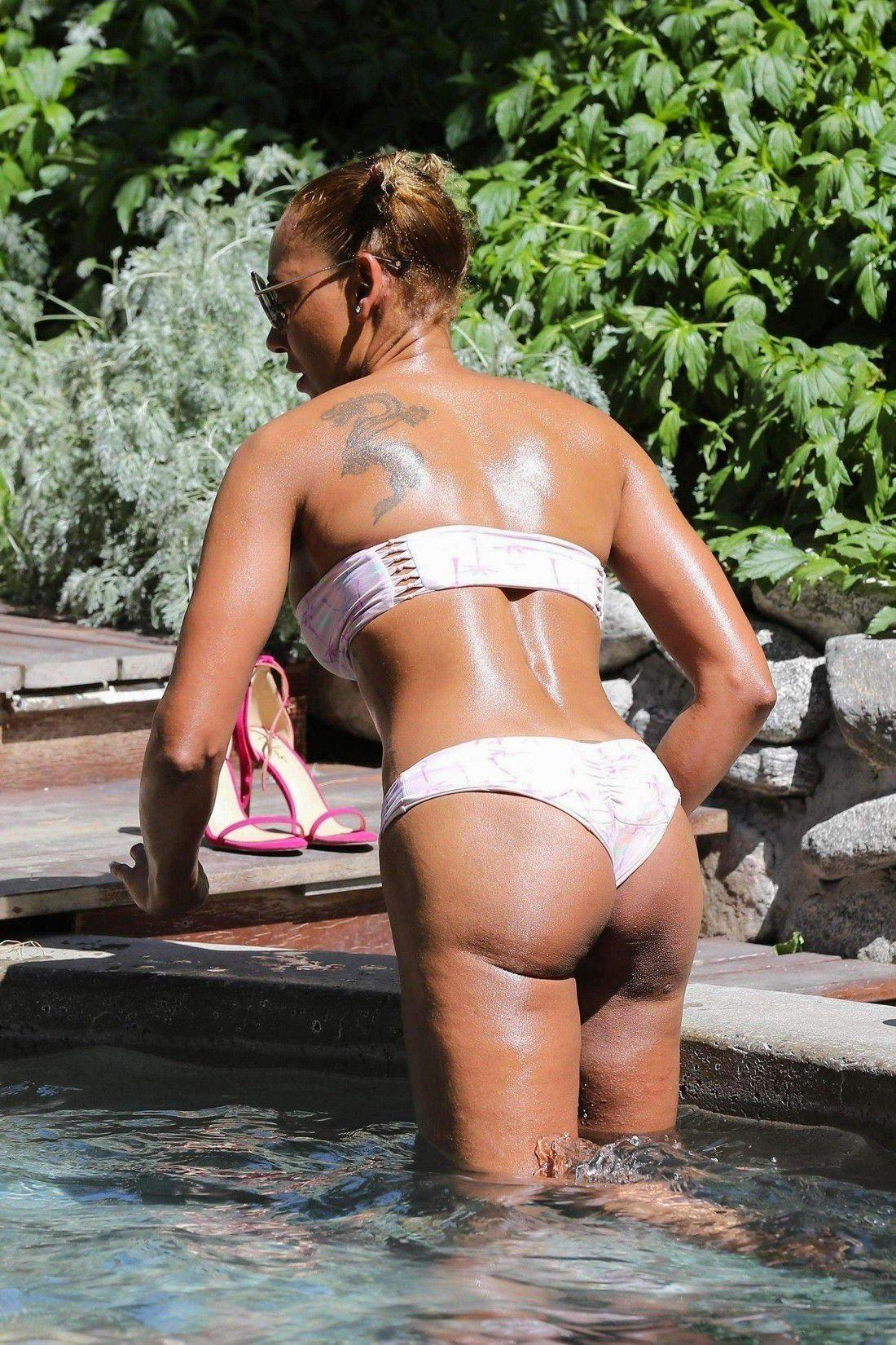 Melanie brown bikini pics