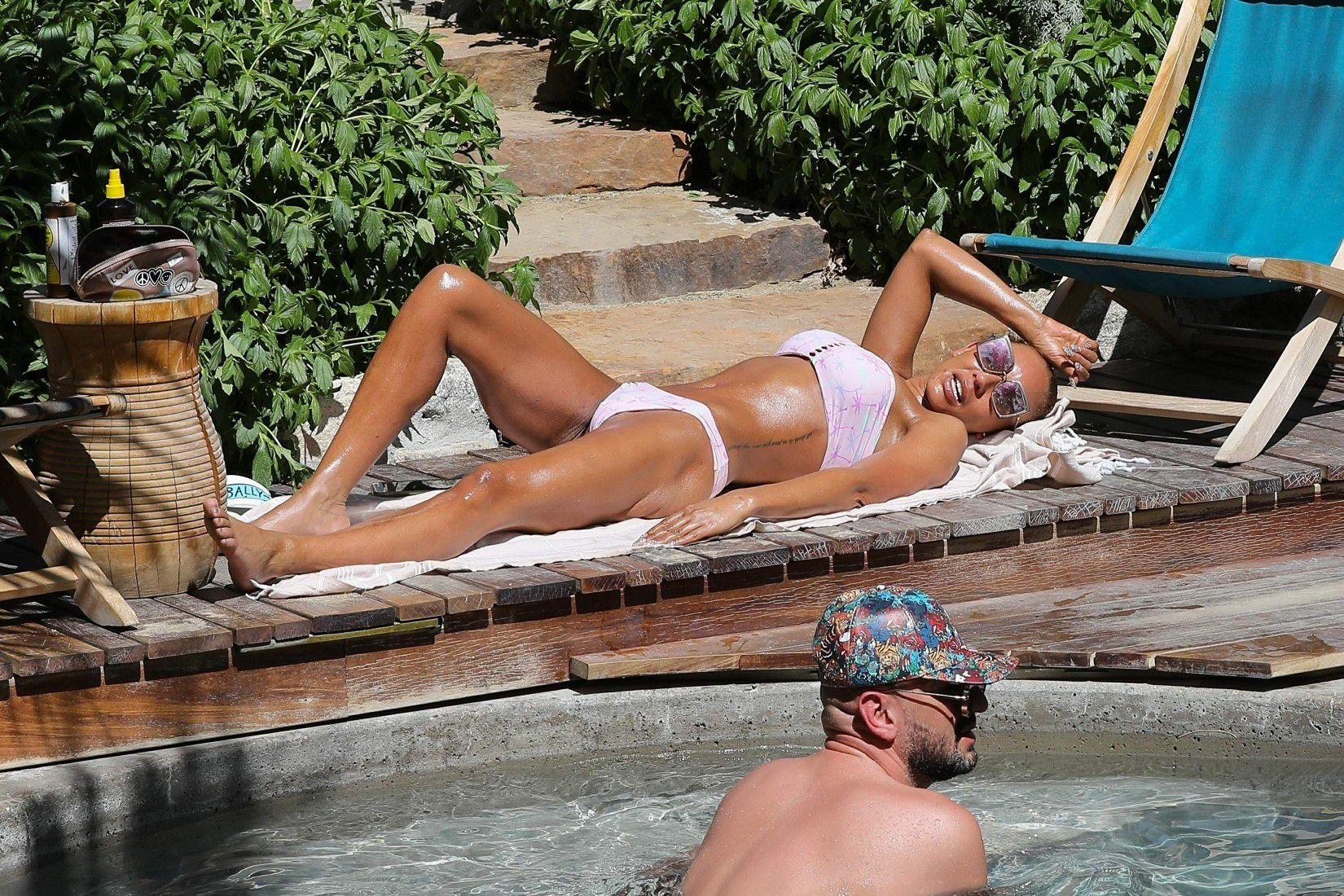 melanie-brown-wearing-a-bikini-by-the-pool-in-palm-strings-9073