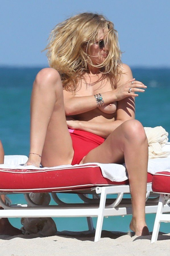 toni-garrn-sunbathing-topless-on-the-beach-in-miami-3998