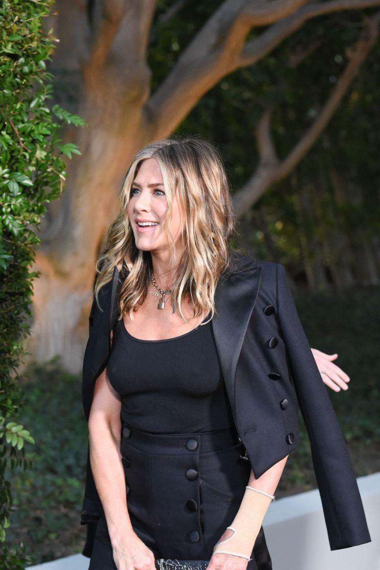 Jennifer Aniston Pokies At Chanel Dinner Celebrating Our
