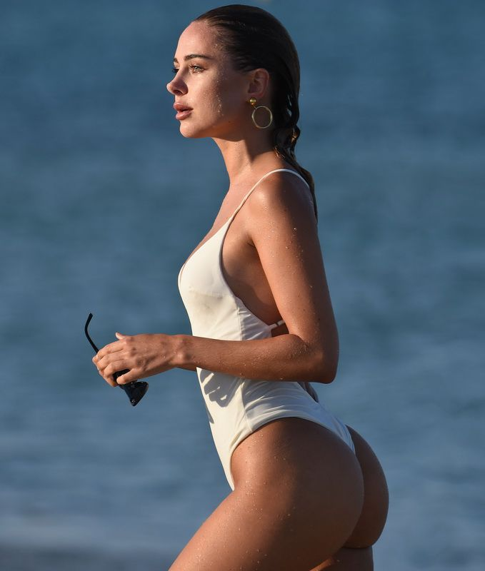 Kimberley Garner Nice Ass In White Thong Swimsuit